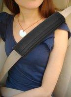 TRIXES Polsterung für Sitzgurt im Auto für mehr Komfort auf der Reise