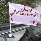 """Autoflagge """"Hochzeit"""" - Autoflagge mit der Aufschrift """"Just married"""" in Rot-Weiß"""