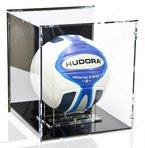 Volleyball Vitrine mit schwarzem Boden und schwarzer Rückwand