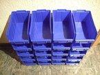 30 blaue Stapelboxen Gr. 2