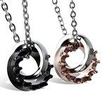 JewelryWe Schmuck 2 Freundschaftsketten Krone Ring Edelstahl Partner-Anhänger mit 45cm und 54cm Kette, Halskette für Damen & Herren, Gold Schwarz Silber