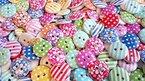 Knöpfe für Kinder Knopf HOLZ Kinderknöpfe Bunt Mix Scrapbooking Mischung 11-23 mm zu 100 Stück (Farbauswahl ist leider nicht möglich)