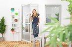 Insektenschutz Tür Master Slim + 100 x 210 cm mit Alurahmen in Weiß, Anthrazit oder Braun und stabilen Eckverbindungen, Fliegengittertür in den Varianten Bausatz, auf Maß zugeschnitten und komplett aufgebaut