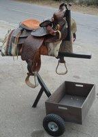 Praktischer Sattelwagen mit Holzbox / Super geeignet als Begleiter für Stall und Turniere / Sattel-Caddy Sattel Pferd Stall